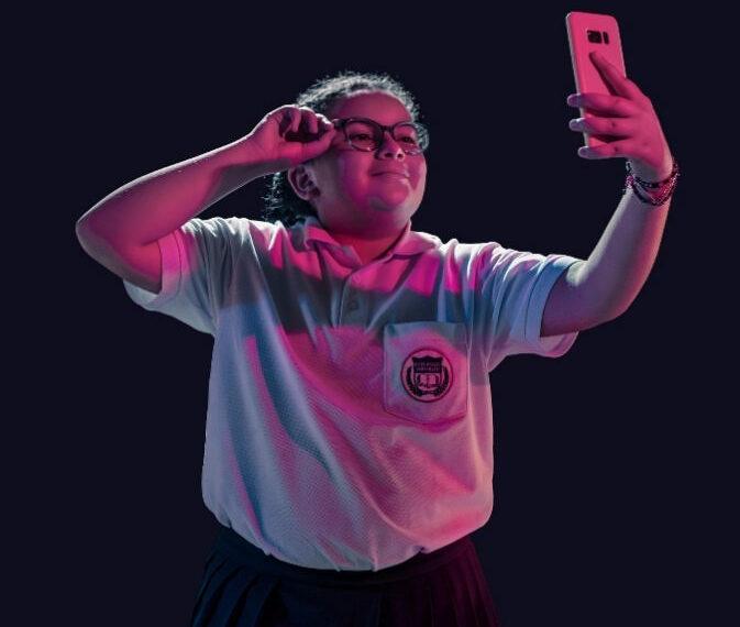 Imagen oficial de la campaña Bullying Por Loving de Nosotras